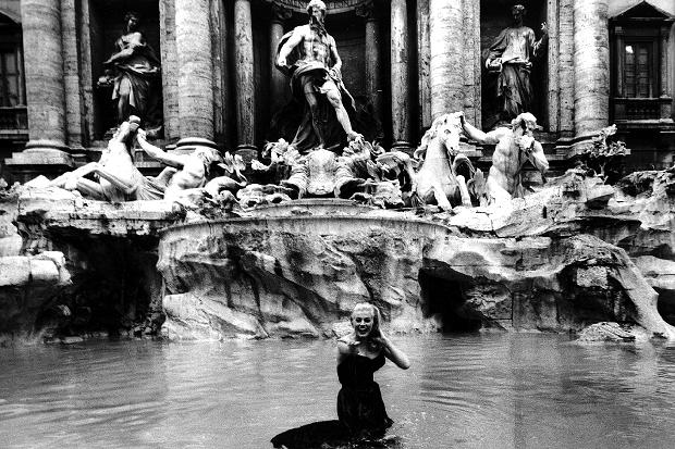Anita Ekberg Trevi Fountain